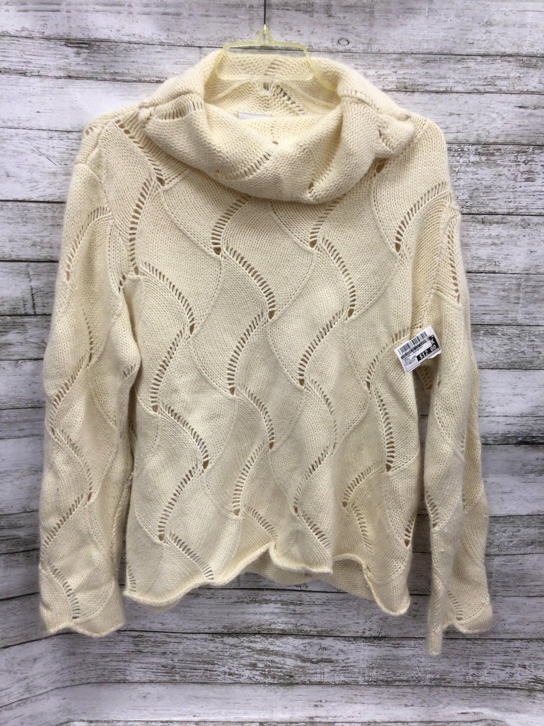 Primary Photo - brand: villager by liz claiborne , style: sweater lightweight , color: cream , size: petite large , sku: 127-3371-50594