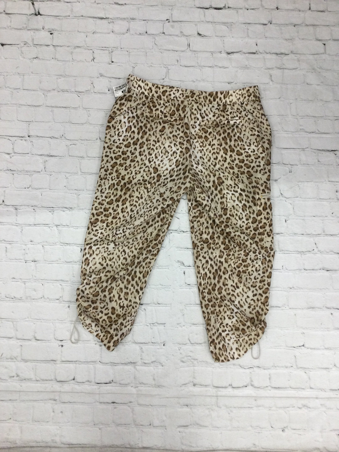 Photo #1 - brand: zenergy by chicos , style: athletic pants , color: animal print , size: 0 , sku: 125-4870-718