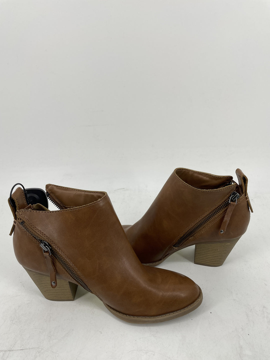 Photo #2 - brand: dv , style: boots ankle , color: brown , size: 8 , sku: 128-3212-49486