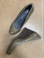Photo #1 - brand: dr scholls , style: shoes low heel , color: snakeskin print , size: 6.5 , sku: 125-1957-3141