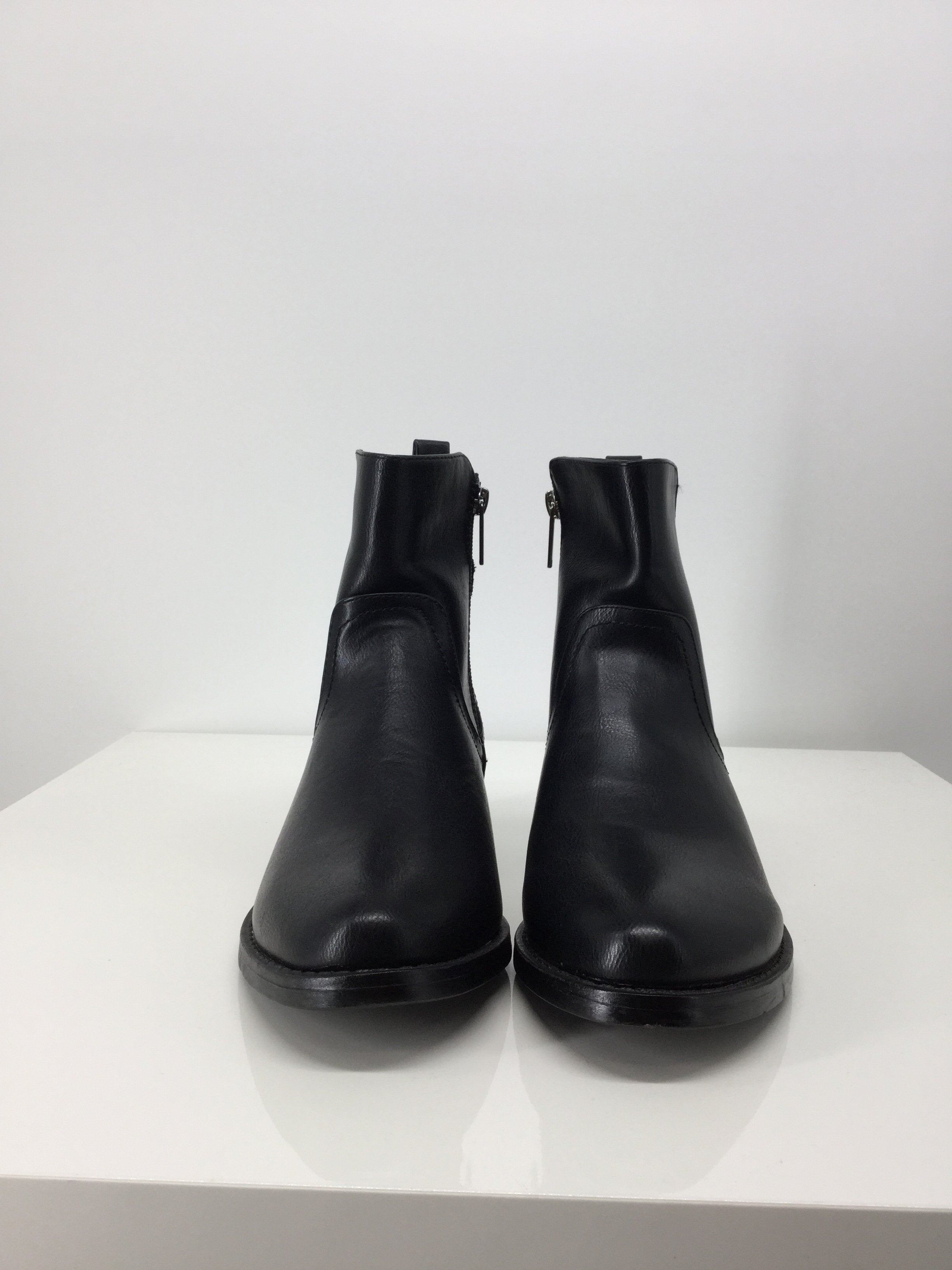 Photo #1 - brand: catherines , style: boots ankle , color: black , size: 8 , sku: 129-4748-4120