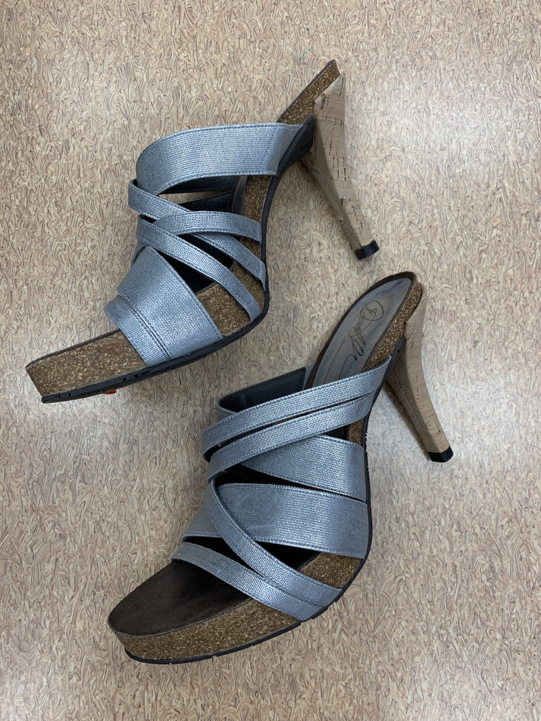 Photo #1 - brand: donald j pilner , style: sandals high , color: silver , size: 7.5 , sku: 125-4383-25567