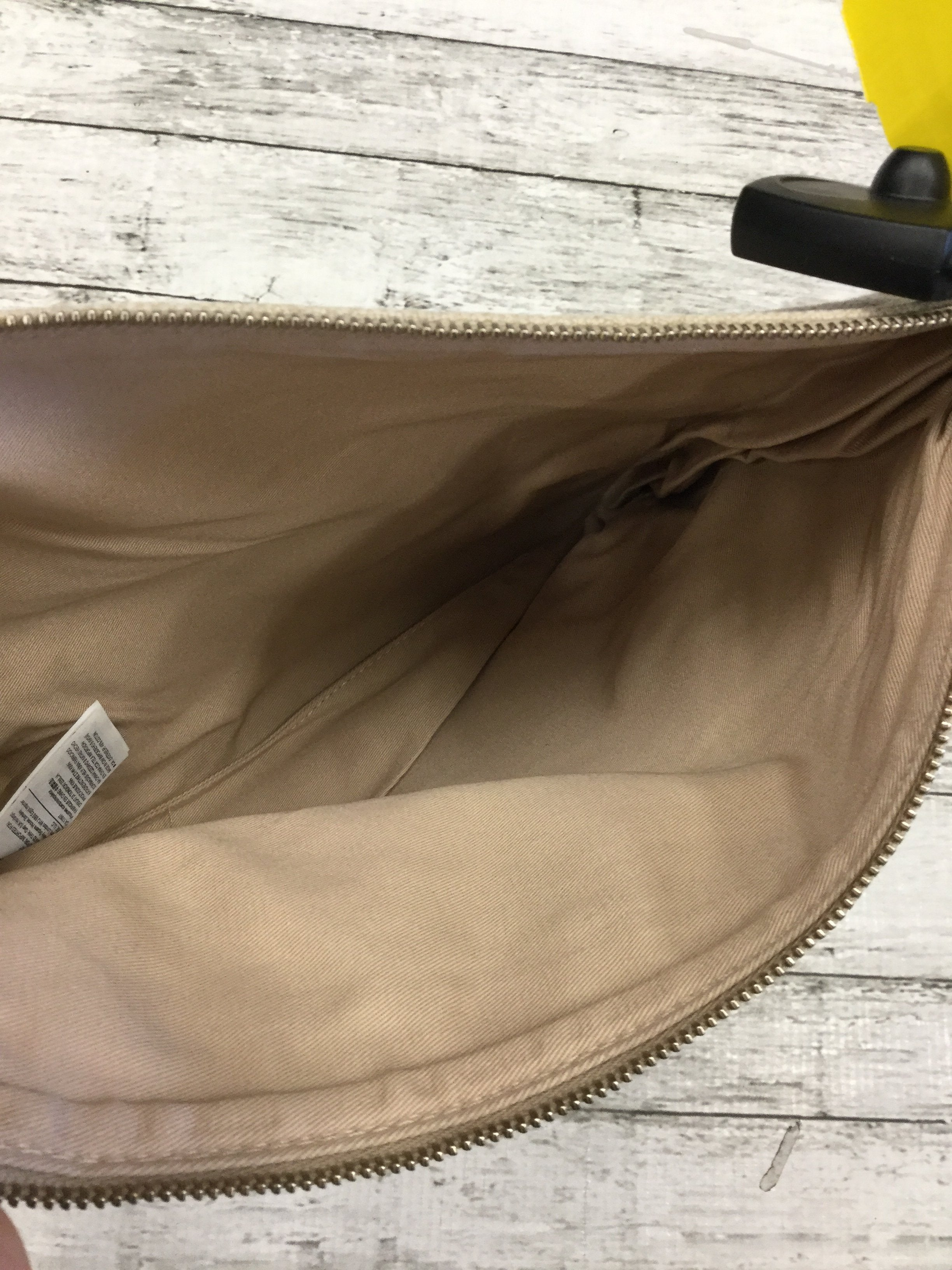 Photo #2 - brand: banana republic , style: makeup bag , color: off white , sku: 129-4748-1891