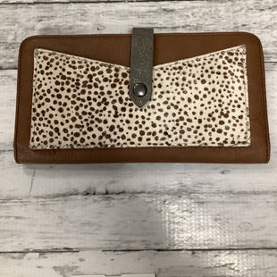 Primary Photo - BRAND: ABERCROMBIE AND FITCH STYLE: WALLET COLOR: ANIMAL PRINT SIZE: MEDIUM SKU: 105-3221-15912