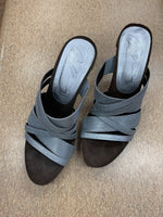 Primary Photo - brand: donald j pilner , style: sandals high , color: silver , size: 7.5 , sku: 125-4383-25567