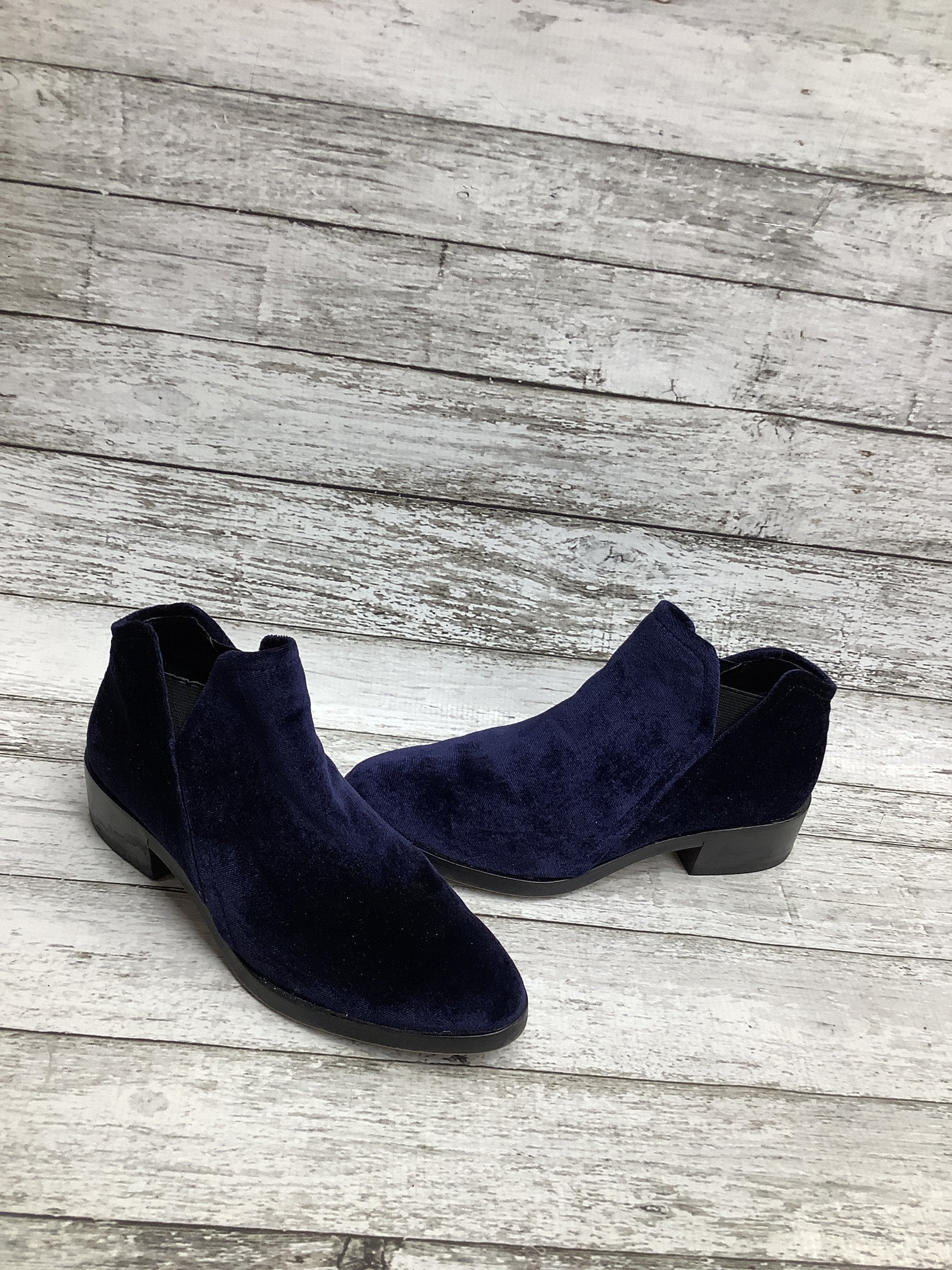 Primary Photo - brand: dolce vita , style: boots ankle , color: royal blue , size: 6 , sku: 105-4189-5202