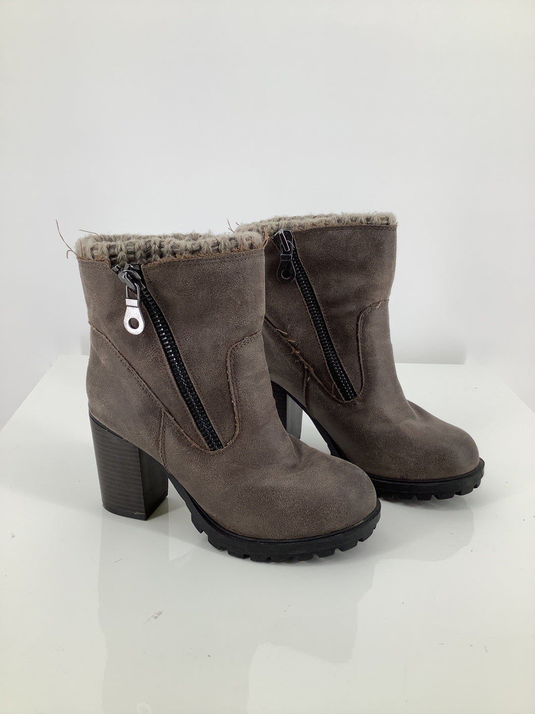 Primary Photo - brand: mossimo , style: boots ankle , color: taupe , size: 6.5 , sku: 105-3752-24958
