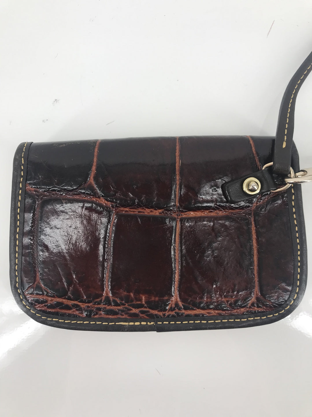 Photo #2 - brand: dooney and bourke , style: wristlet , color: brown , other info: as is , sku: 105-4189-2261