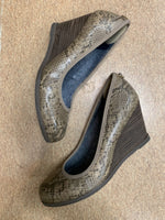 Primary Photo - brand: dr scholls , style: shoes low heel , color: snakeskin print , size: 6.5 , sku: 125-1957-3141
