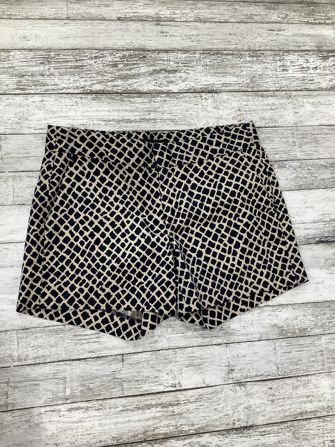 Primary Photo - brand: banana republic o , style: shorts , color: black white , size: 0 , other info: black/cream , sku: 105-3221-10018