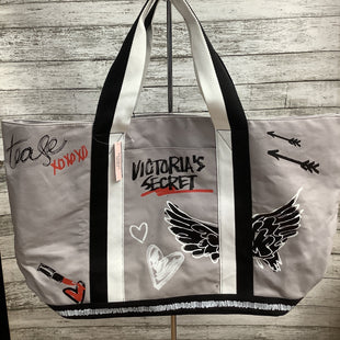 Primary Photo - BRAND: VICTORIAS SECRET STYLE: TOTE COLOR: GREY WHITE SIZE: LARGE SKU: 105-3221-19073