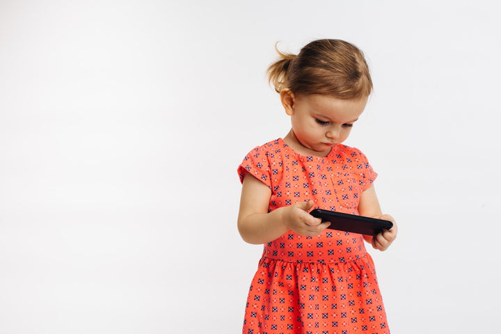 6 Simple Tips For Keeping Your Child Engaged Without A Screen