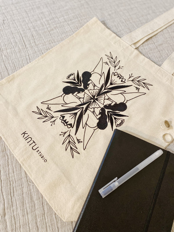 Shopper Bag in natural - Embroidery Superwoman