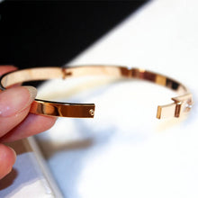 Load image into Gallery viewer, Expandable Wire Bracelet Manchette