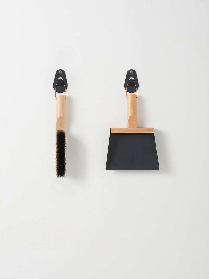 Andrée Jardin Brush & Shovel Set