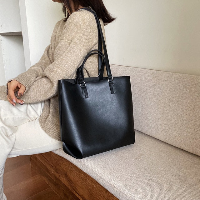 Salvatore Handbag | Black