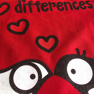 "T-shirt Glitter ""I love differences"" Pennuti Skizzati  3/7 anni"