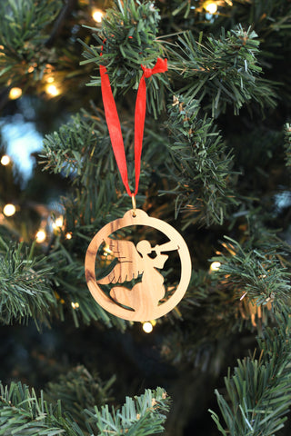 Herald Angel in Circle Ornament