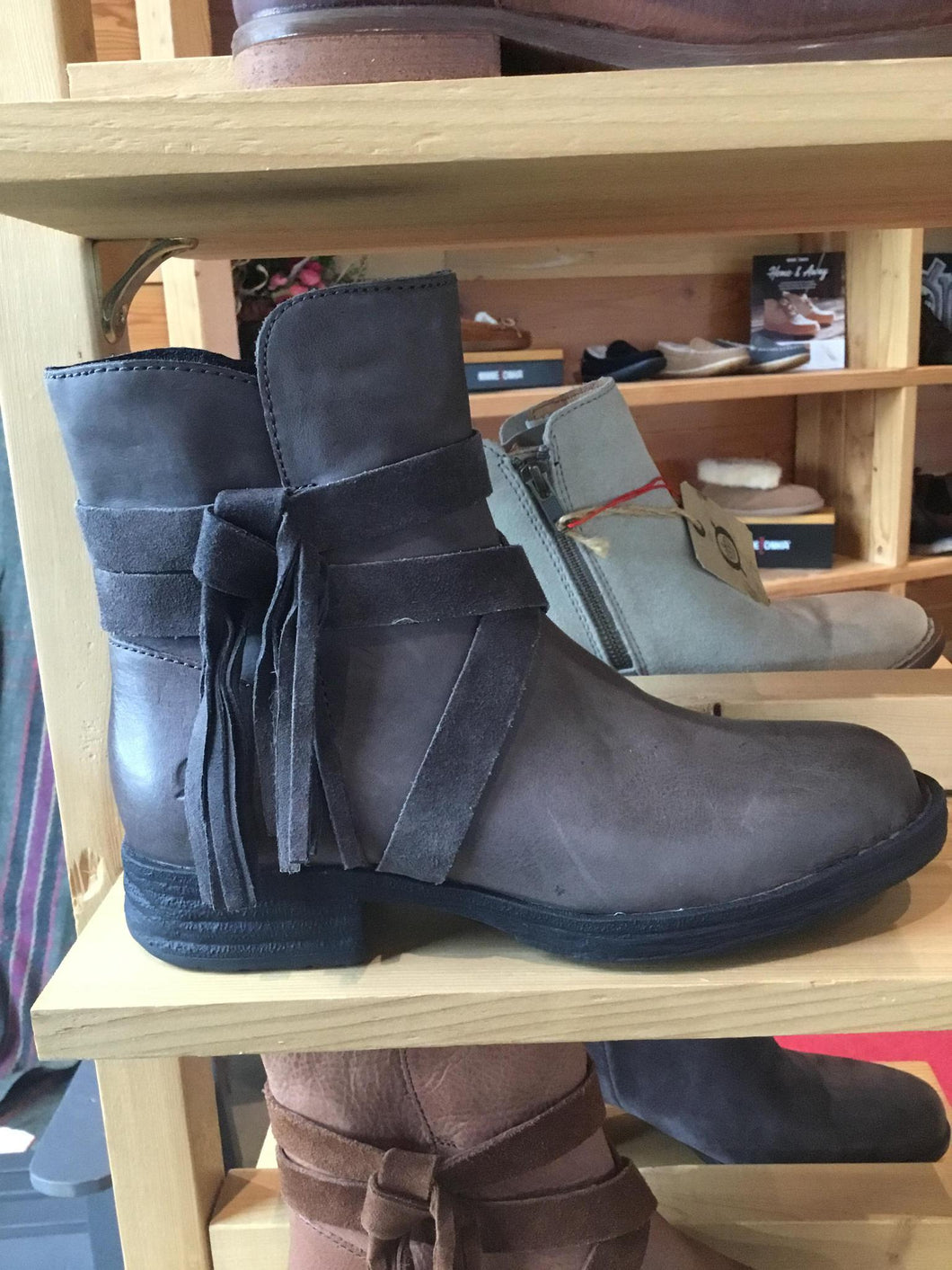 10 Boot Perl Grey