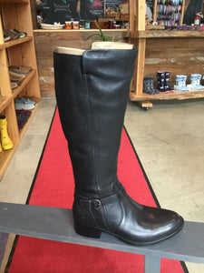 8 Boot Cosna Black