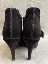 Load image into Gallery viewer, Pedro Garcia Heels 7.5-8