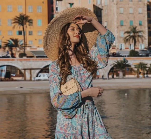 Bohemian Floral Print O Neck Blouse with model on a hat