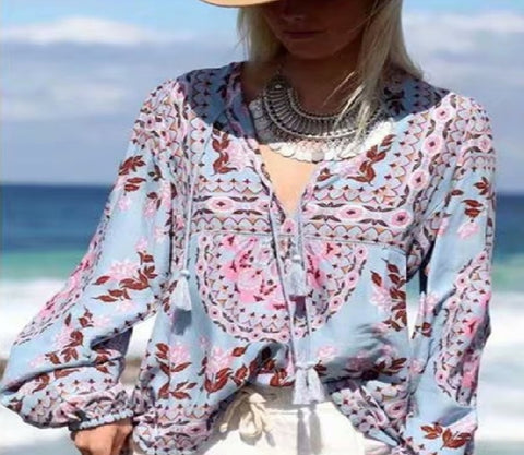Bohemian Floral Print Tunic Blouse with a model in hat