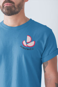 modele-homme-barbu-tshirt-fruit-bleu-fruit-du-dragon-ohmyfruits-tatouage