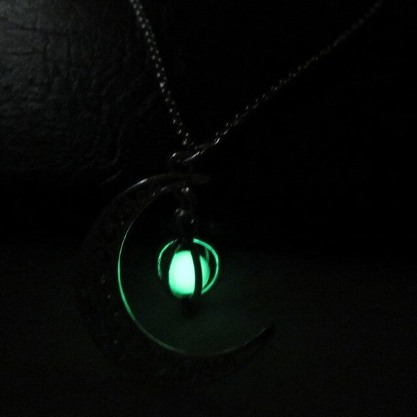 Mysterious Curved Moons and Pumpkin Pendant Necklaces Luminous Stone Necklace Glow In The Dark Halloween Accessories Gifts