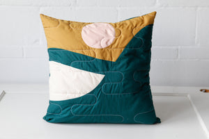 "Load image into Gallery viewer, ""Sommet"" Cushion  - 20''x 20 ''"