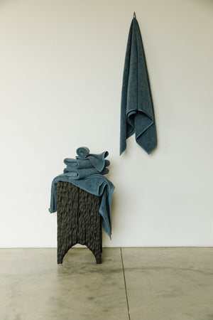 Load image into Gallery viewer, Organic and Fairtrade Cotton Bath Towel Set in Alps Grey