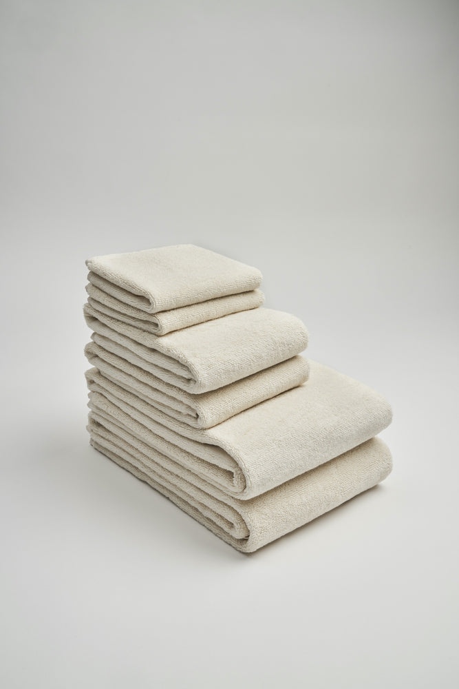 Load image into Gallery viewer, Organic and Fairtrade Cotton Bath Towel Set in Natural