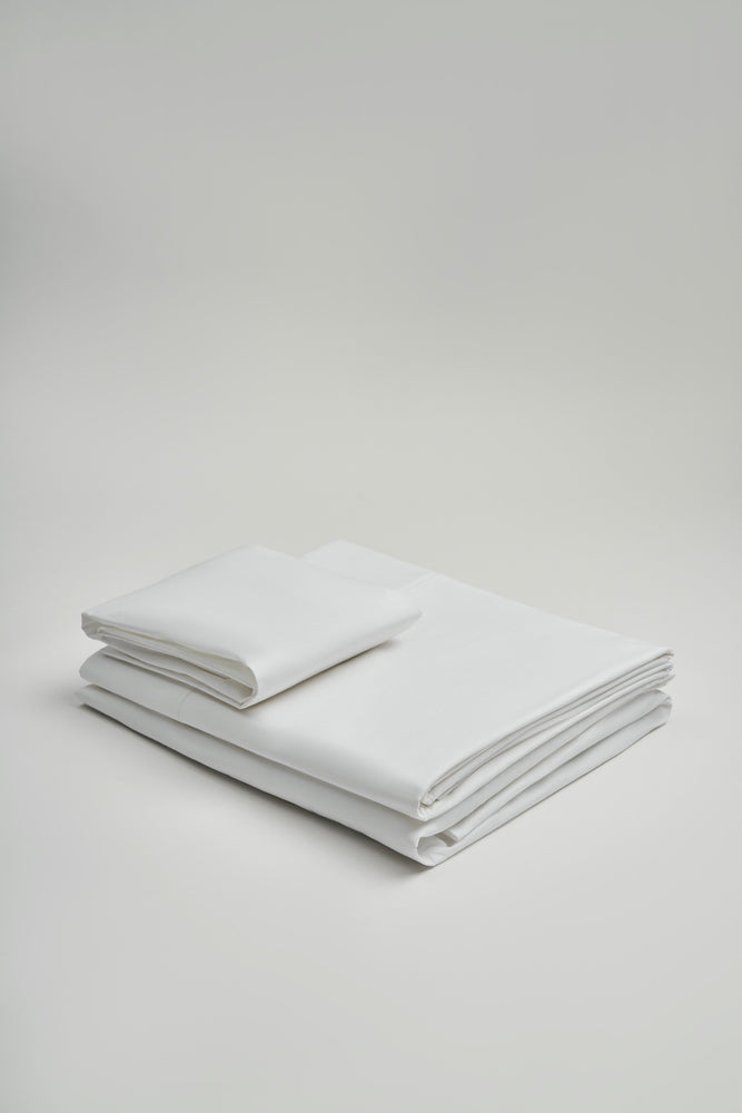 Load image into Gallery viewer, Organic and Fairtrade Warm + Luxurious Cotton Bed Sheet Set in White