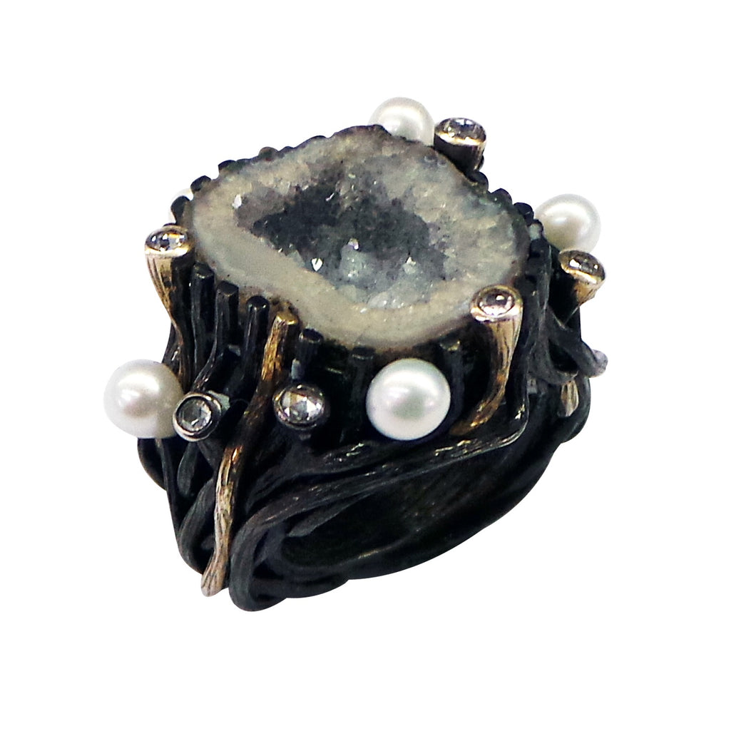 Crystal Agate Ring with Pearl Diamond