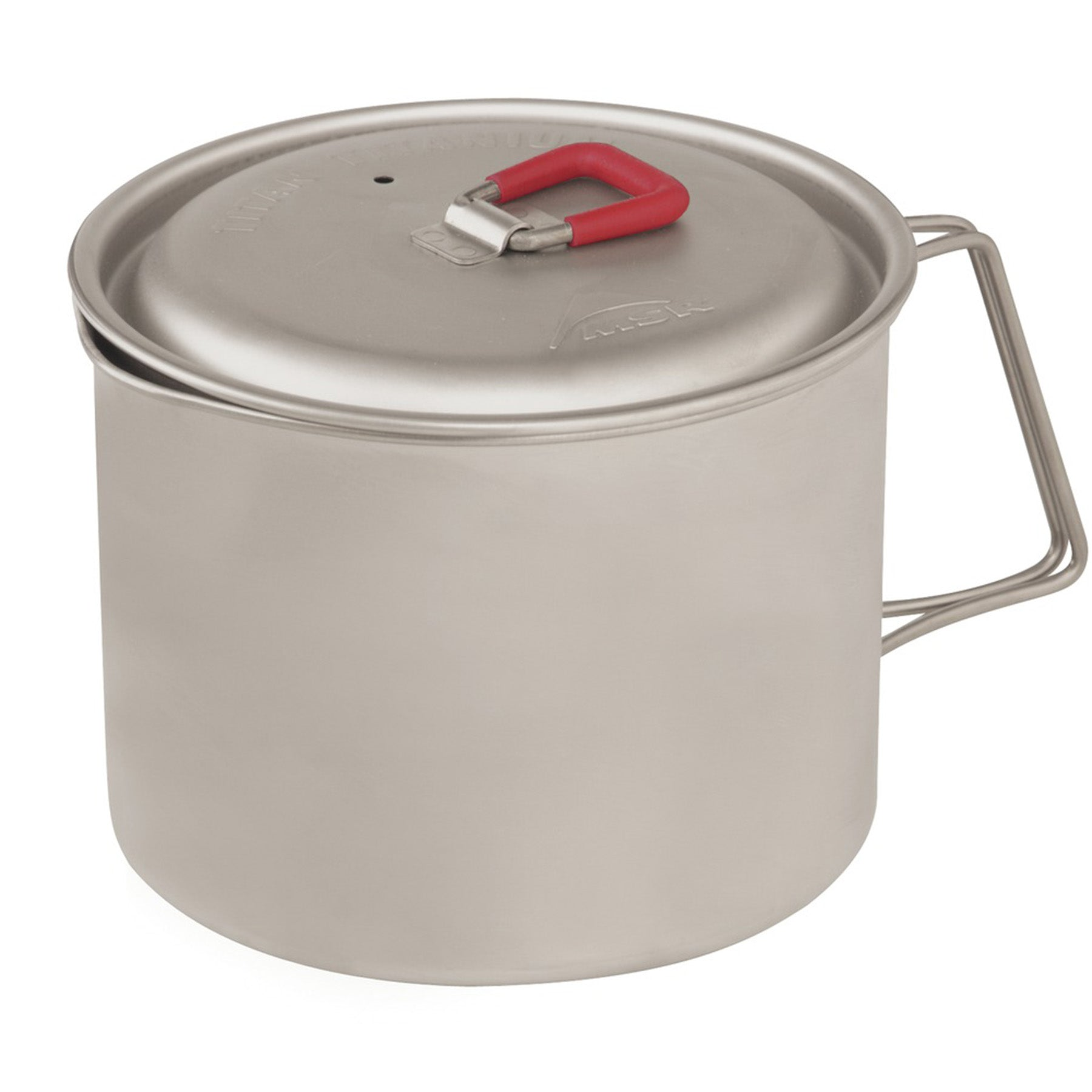 the titan kettle with lid on
