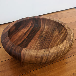 Handturned Bowl (Rounded Base & Curved Edge) by Lee Wilson
