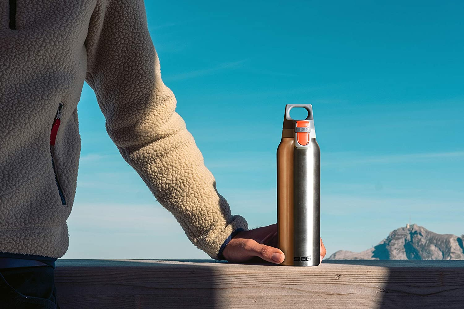 SIGG Hot and Cold ONE, Vacuum-Insulated Thermo-Bottle, Stainless Steel, BPA Free, 0.3 L and 0.5 L