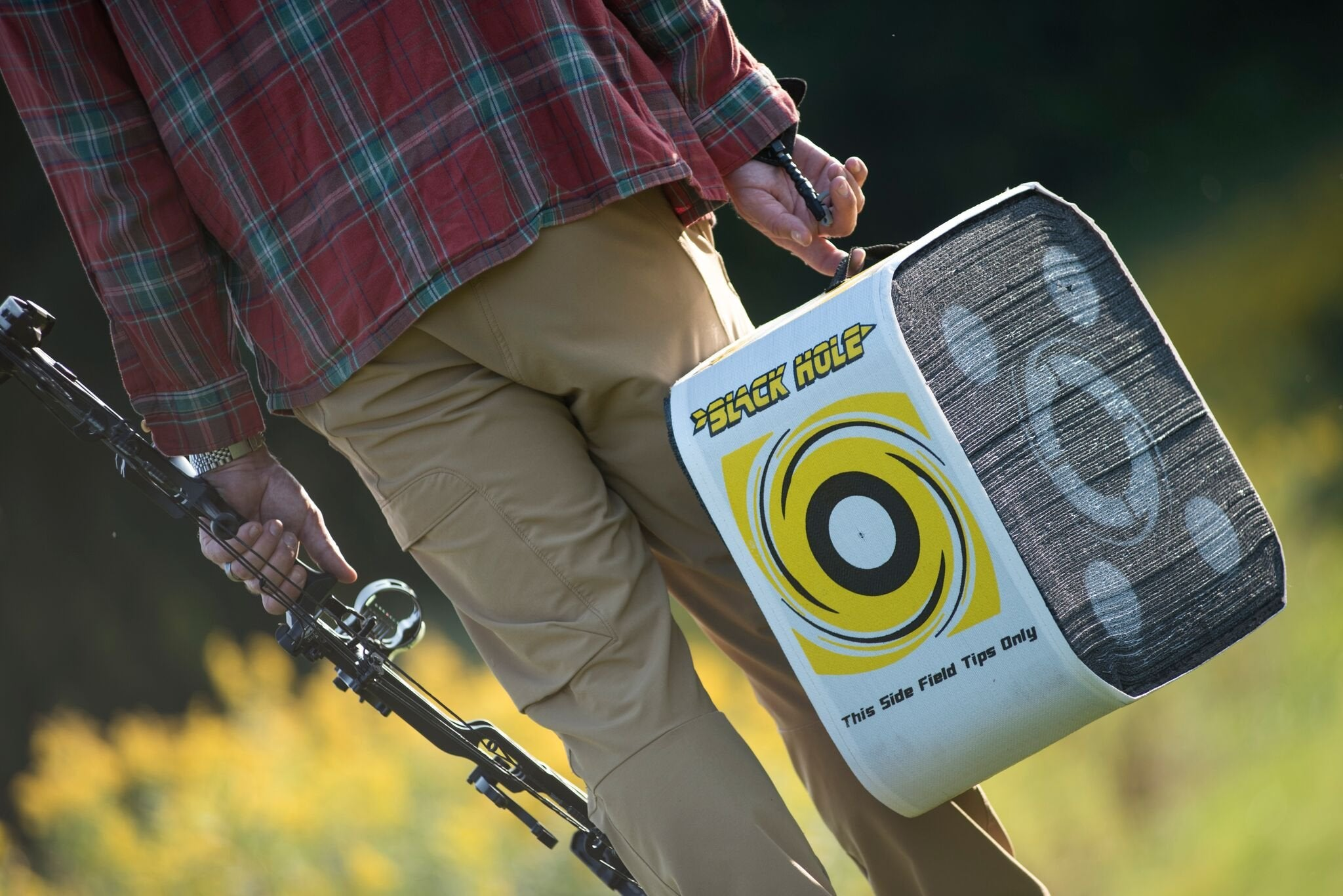 Black Hole 4 Sided Archery Target Stops ALL Fieldtips and Broadheads