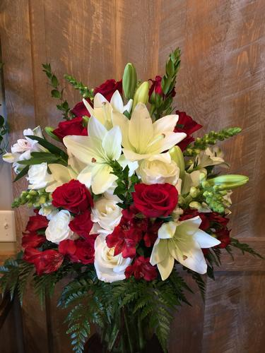White Christmas Flower Bouquet
