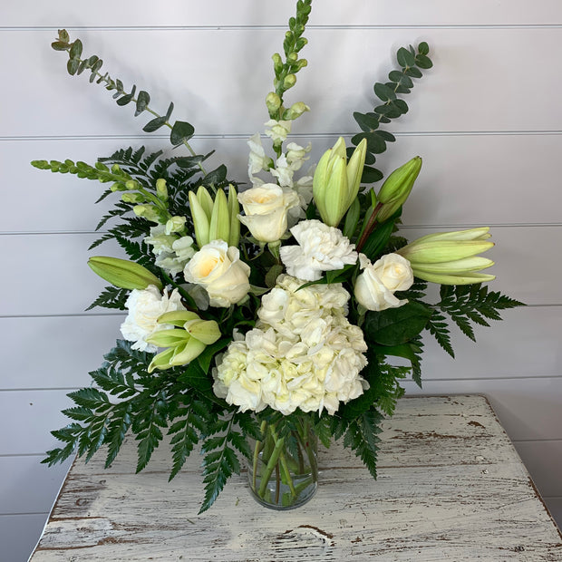 White Beauty Flower Bouquet