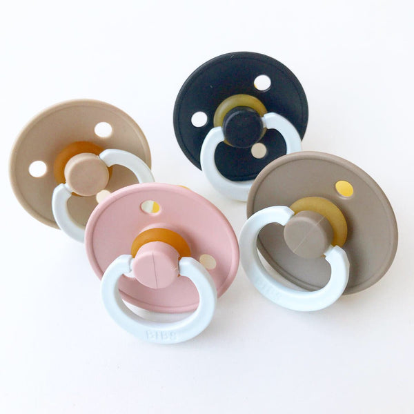4-pack 0-6M pacifier night / glow in the dark