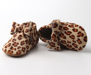 Load image into Gallery viewer, Leilani Bow Moccasins - Leopard Brown - rileycoshoes.com