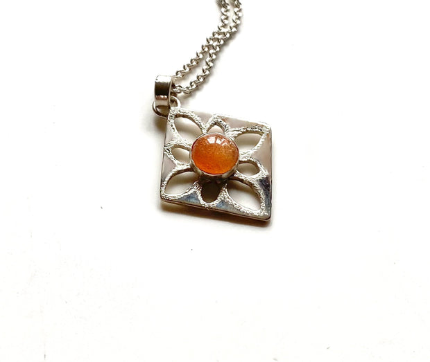 Sterling Silver Sunstone Pendant Necklace