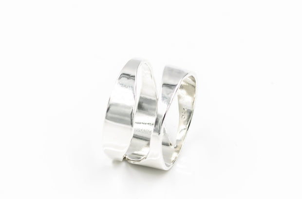Sterling-silver-ring-with-1-wave-12mm-wide