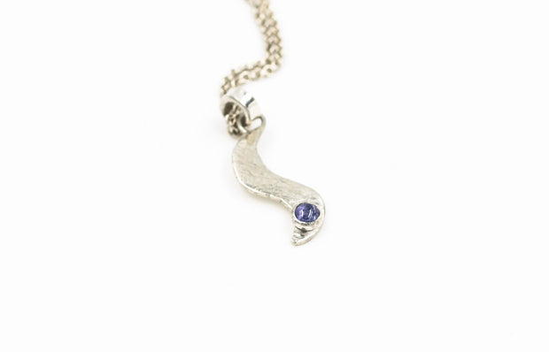 Sterling-silver-wave-pendant-with-tanzanite