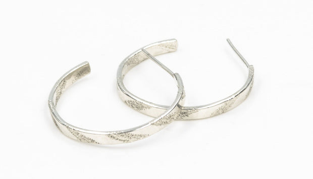 Short Pattern Sterling Silver Hoop Earrings - Small