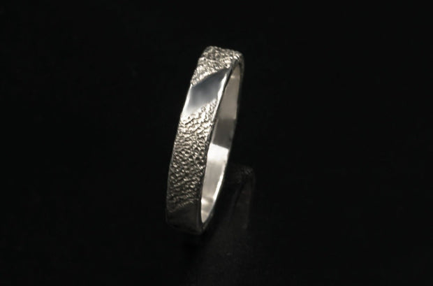 sterling-silver-textured-ring-4mm