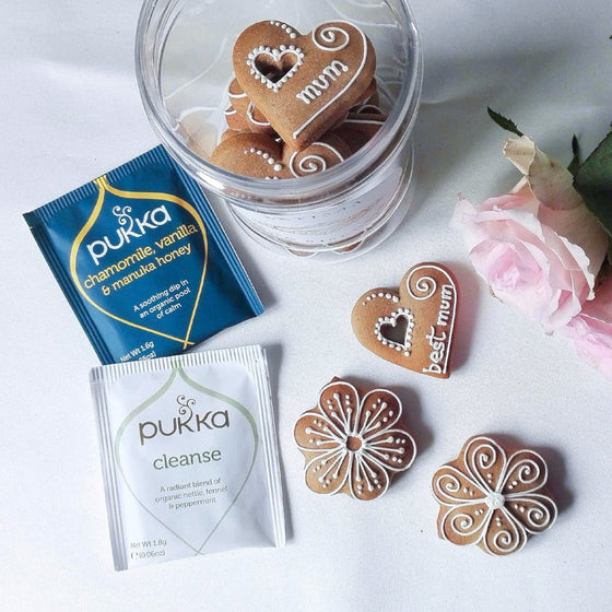 Gingerbread & Tea Gift Set