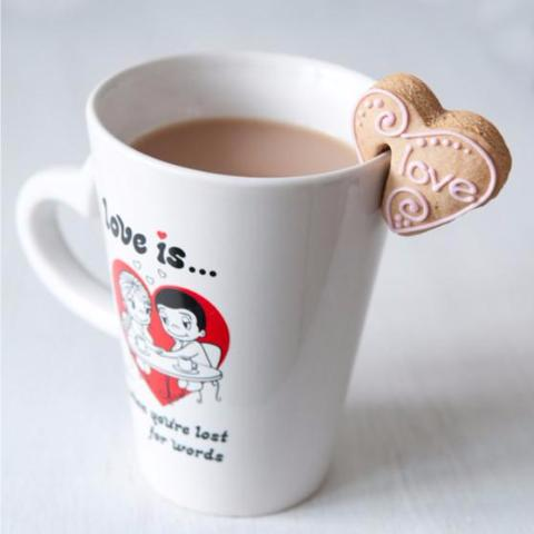 Sit on cup cookies