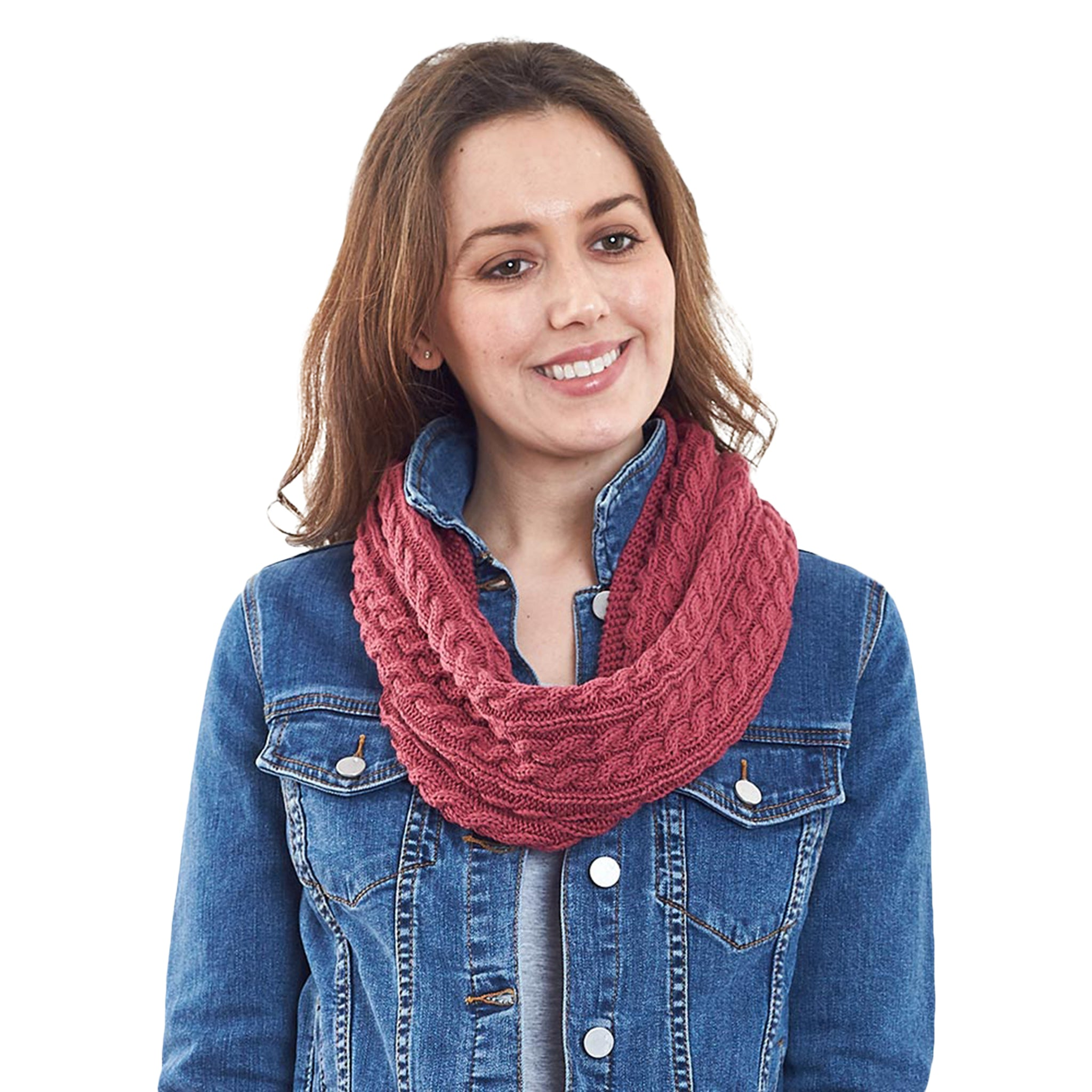 Luca Cable Knit Loop Scarf in Rosewood